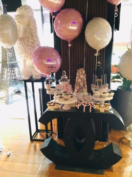 столик Chanel