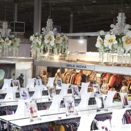 выставочный стенд одежды Chia  - фото 2