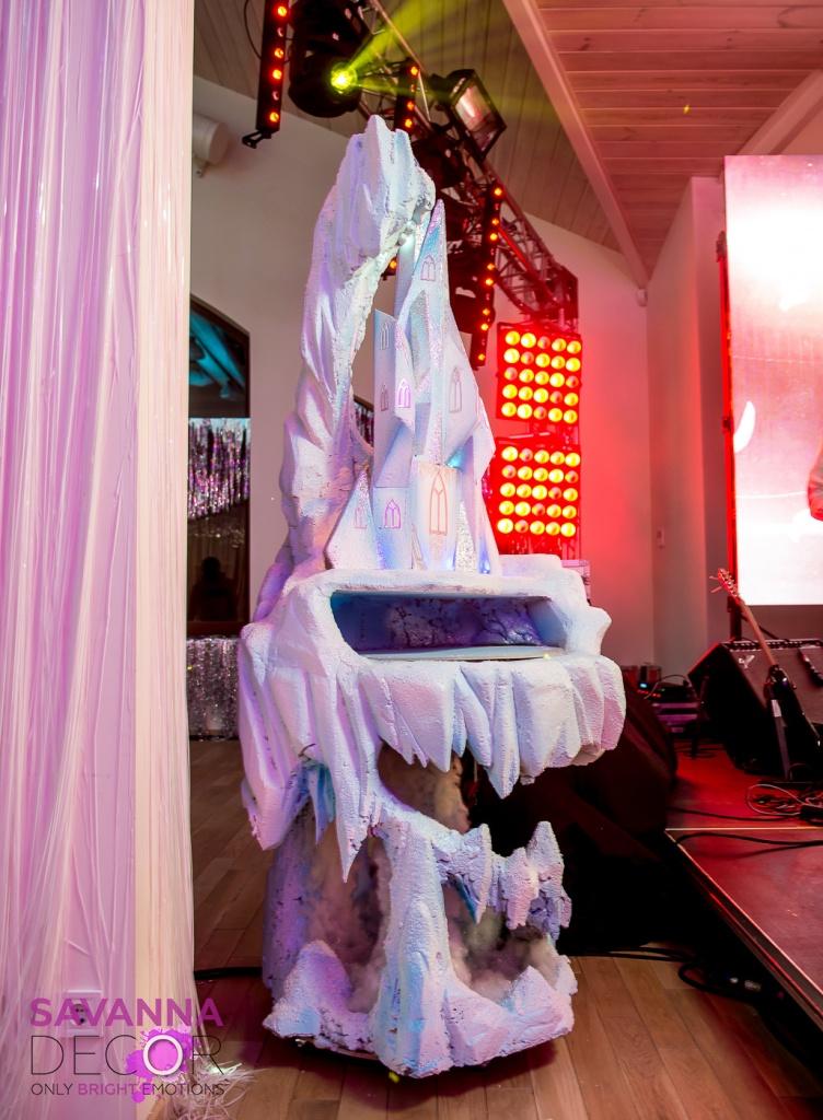 Стол под торт Frozen