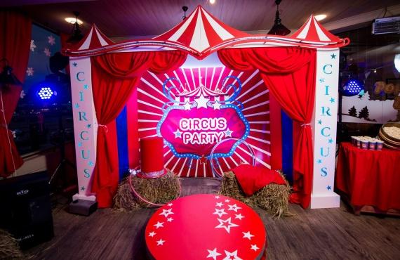 """Новогодний корпоратив в стиле """"American circus"""""""
